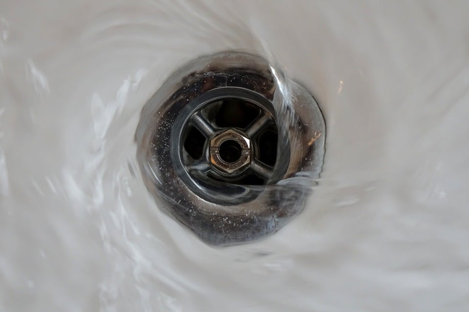 How to identify a clogged drain